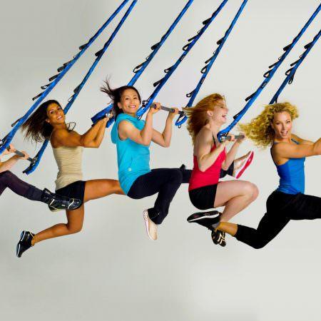 jukari-fit-to-fly-reebok-cirque-du-soleil-fitness