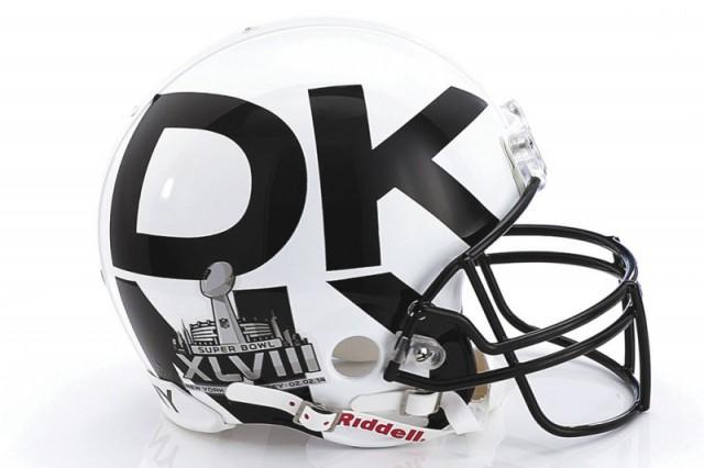 Donna_Karan_Football_helmet-800x533