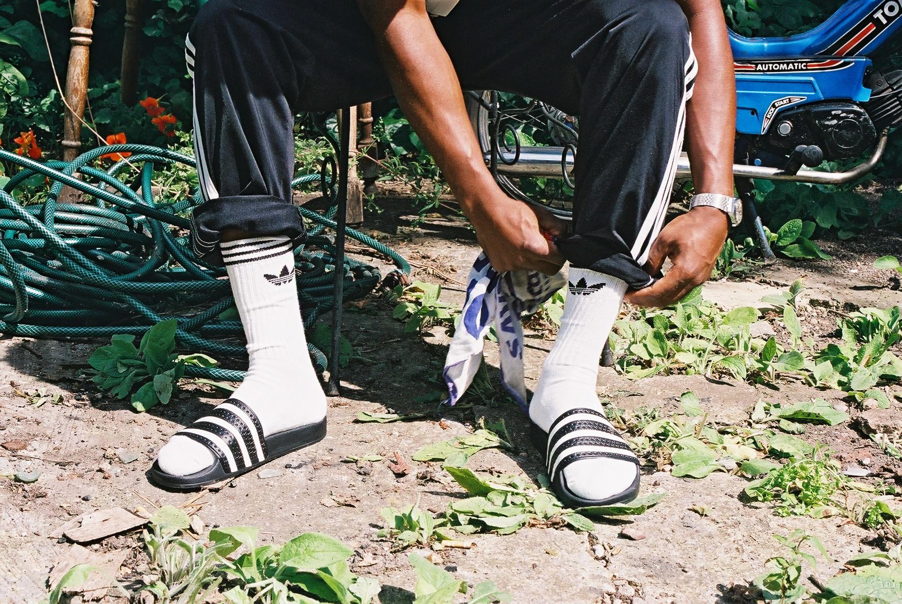 Socksnslides Adidas Originals Feiert Revival Von