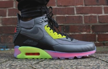 nike_air_max_90_sneakerboot_ice_684722-002_3