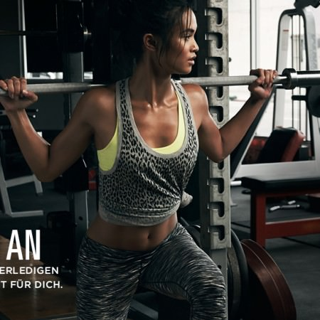 Fabletics-Sportbekleidung-Outfit