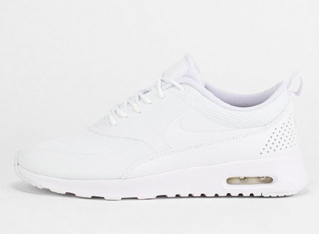 Nike Thea Leder