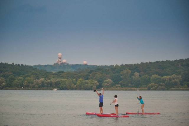 fabletics-stand-up-paddling-event