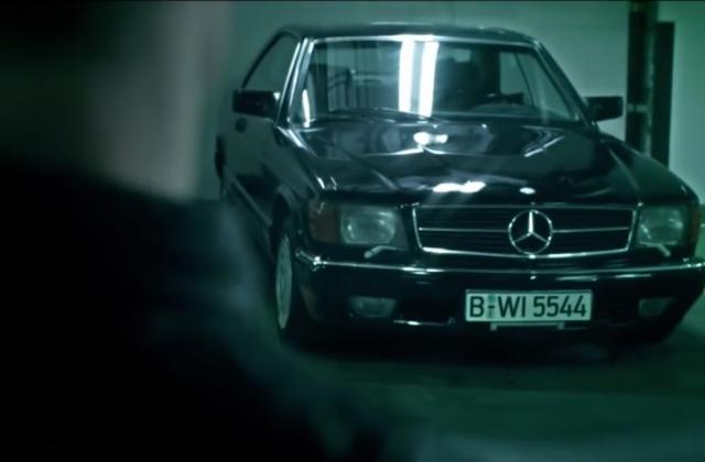 Die-langsamste-Verfolgungsjagd-der-Welt-Video-Mercedes