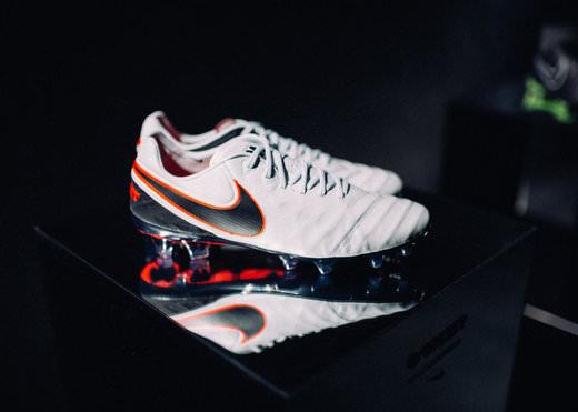 Nike-Tiempo-Legend-6-Pure-Platinum