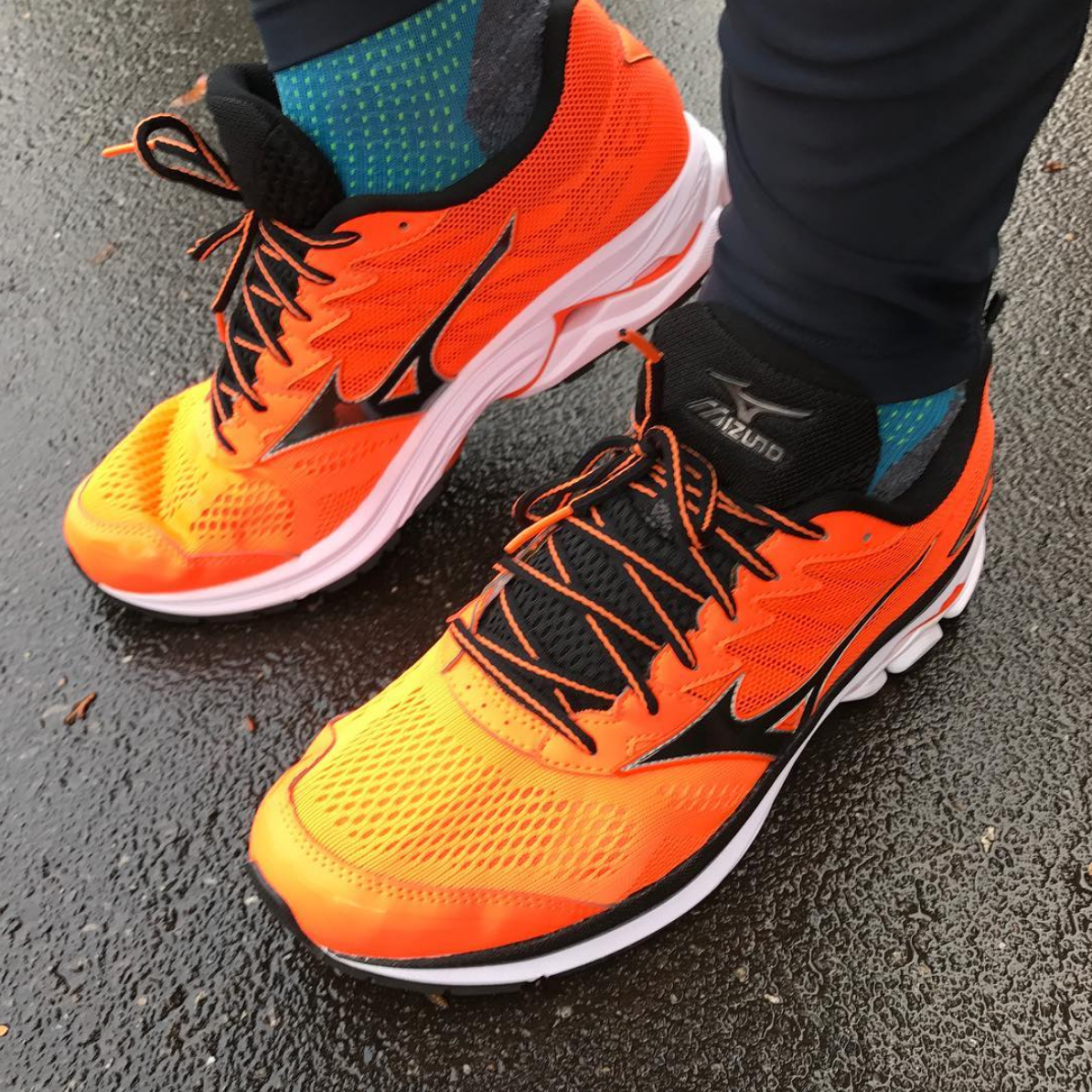 977ef7ea6a628 Mizuno-Wave-Rider-20-running-shoe-orange-laufschuh-sports-insider-test-erfahrungen.png
