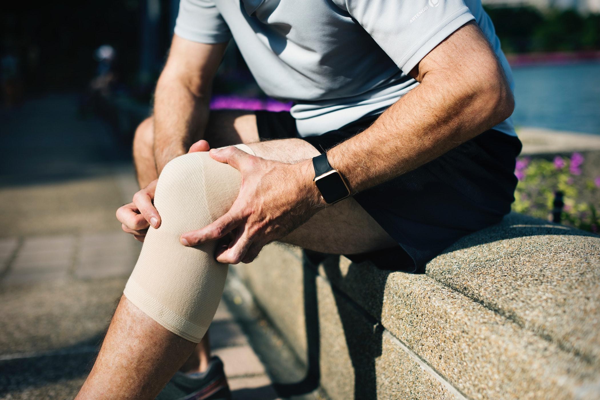 Knieschmerzen beim Laufen? Ursachen, Behandlung & Vorsorge..